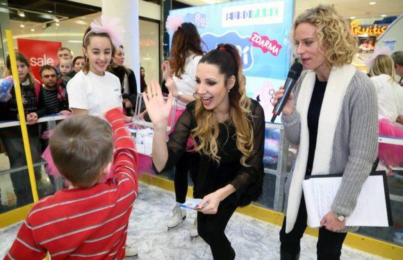 Olga Lounová zamířila z letiště rovnou na kluziště