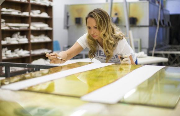 České hvězdy mají díla od sklářky která ohromila i anglickou královnu