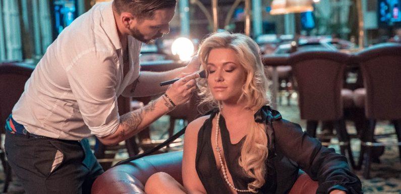 Na titulce Playboye září Playmate Ester Dohnalová, své křivky poodhalí i Dominika Myslivcová