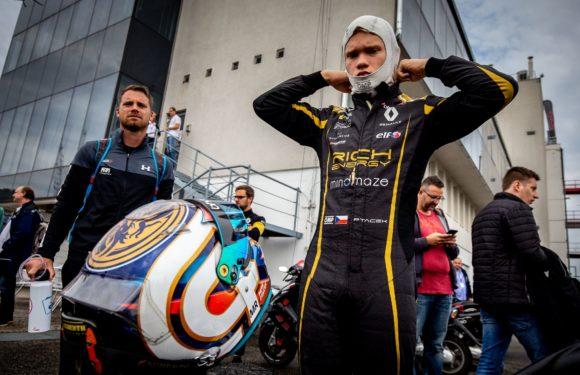 Evropská Formule Renault: Ptáček v Maďarsku bodoval, na euforii to ale nebylo