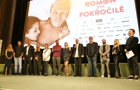 Premiéra Románu pro pokročilé: Vašut přišel s maminkou, Myslivcová překvapila