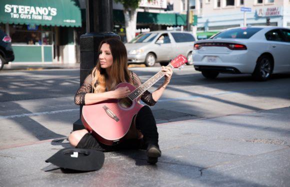 Olga Lounová vydává v Americe druhý singl a plánuje tam koncerty