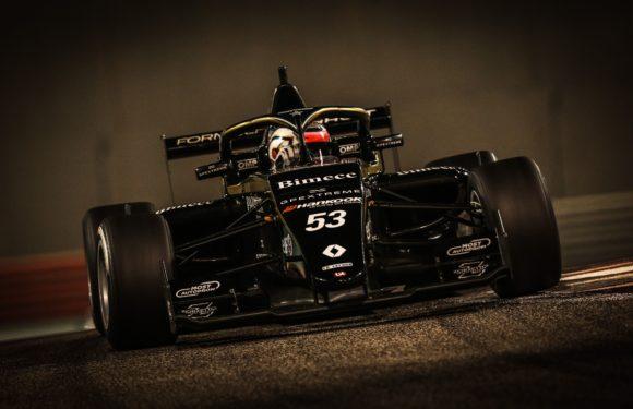 Ptáček junior má za sebou první sezónu ve Formuli Renault