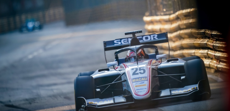 Junior Red Bullu Juri Vips na pole-position Grand Prix Macaa. Charouzův Ilott třetí