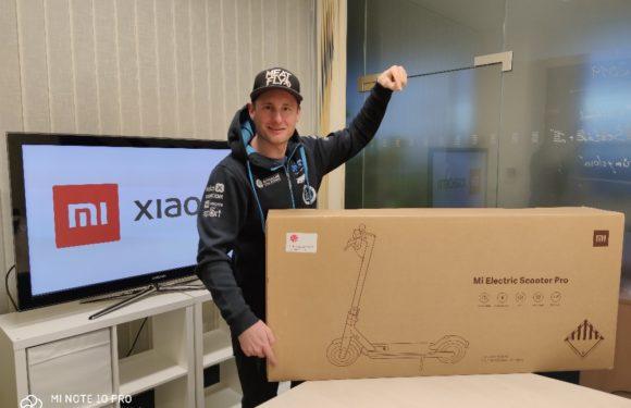 """Chcete koloběžku od Xiaomi s originálním logem Dakar? Soutěžte s """"Mistrem Dakar"""" Martinem Michkem!"""