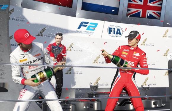 Virtuální závody F2: Charouzův Delétraz zářil!